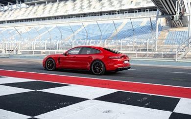 2019 Porsche Panamera GTS wallpaper thumbnail.