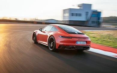2022 Porsche 911 Carrera 4 GTS wallpaper thumbnail.