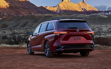 2021 Toyota Sienna XSE wallpaper thumbnail.