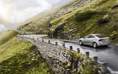 2014 Volvo S60 wallpaper thumbnail.