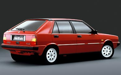 1983 Lancia Delta HF Turbo wallpaper thumbnail.