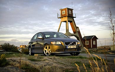2008 Volvo S40 R-Design wallpaper thumbnail.
