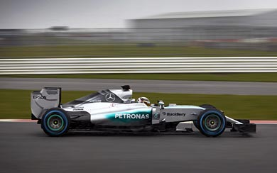 2015 Mercedes AMG W06 Hybrid wallpaper thumbnail.