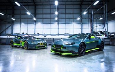2017 Aston Martin Vantage GT8 wallpaper thumbnail.