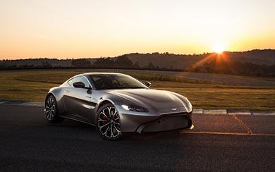 2019 Aston Martin Vantage wallpaper thumbnail.